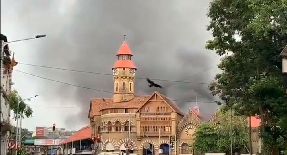 Fire in crawford market mumbai