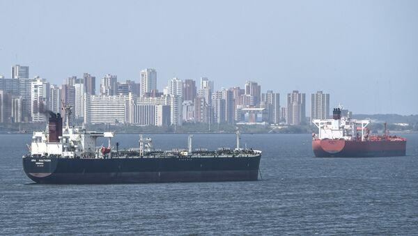 Oil tankers sail the Maracaibo Lake in Maracaibo, Venezuela on March 15 , 2019.  - Sputnik International