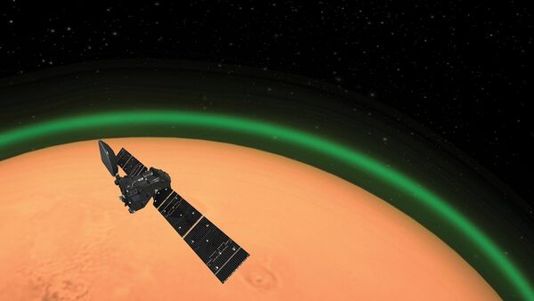The European Space Agency's ExoMars Trace Gas Orbiter (TGO) detects glowing green oxygen aura in Martian atmosphere. - Sputnik International