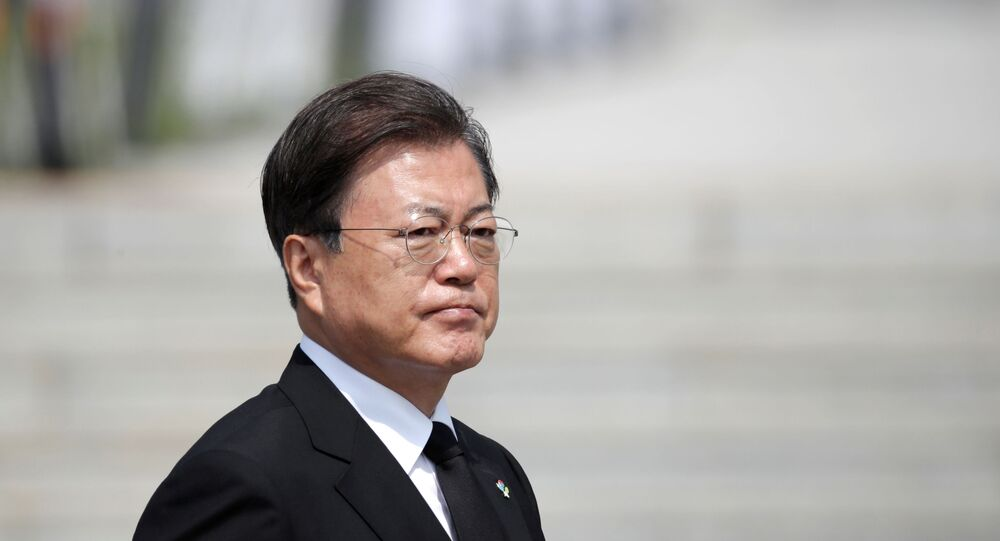 S.Korea urges North to halt leaflet plan