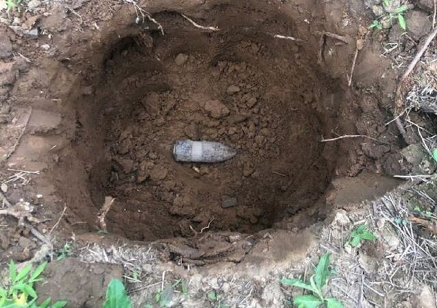 A WWI-era 37 MKI projectile found by Kelly and Shannon Thomas near their house in Harford County, Maryland, United States, 16.06.2020.