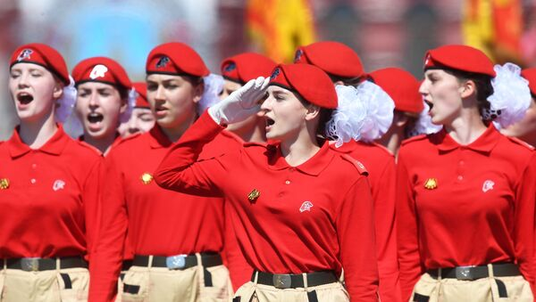 Young Army Cadets take part in a military parade to mark the 75th anniversary of Victory in the Great Patriotic War of 1941-1945 in Red Square in Moscow. - Sputnik International