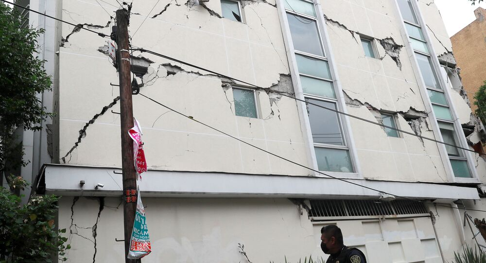 Authorities report 447 aftershocks following 7.5 degree quake that shook Mexican states