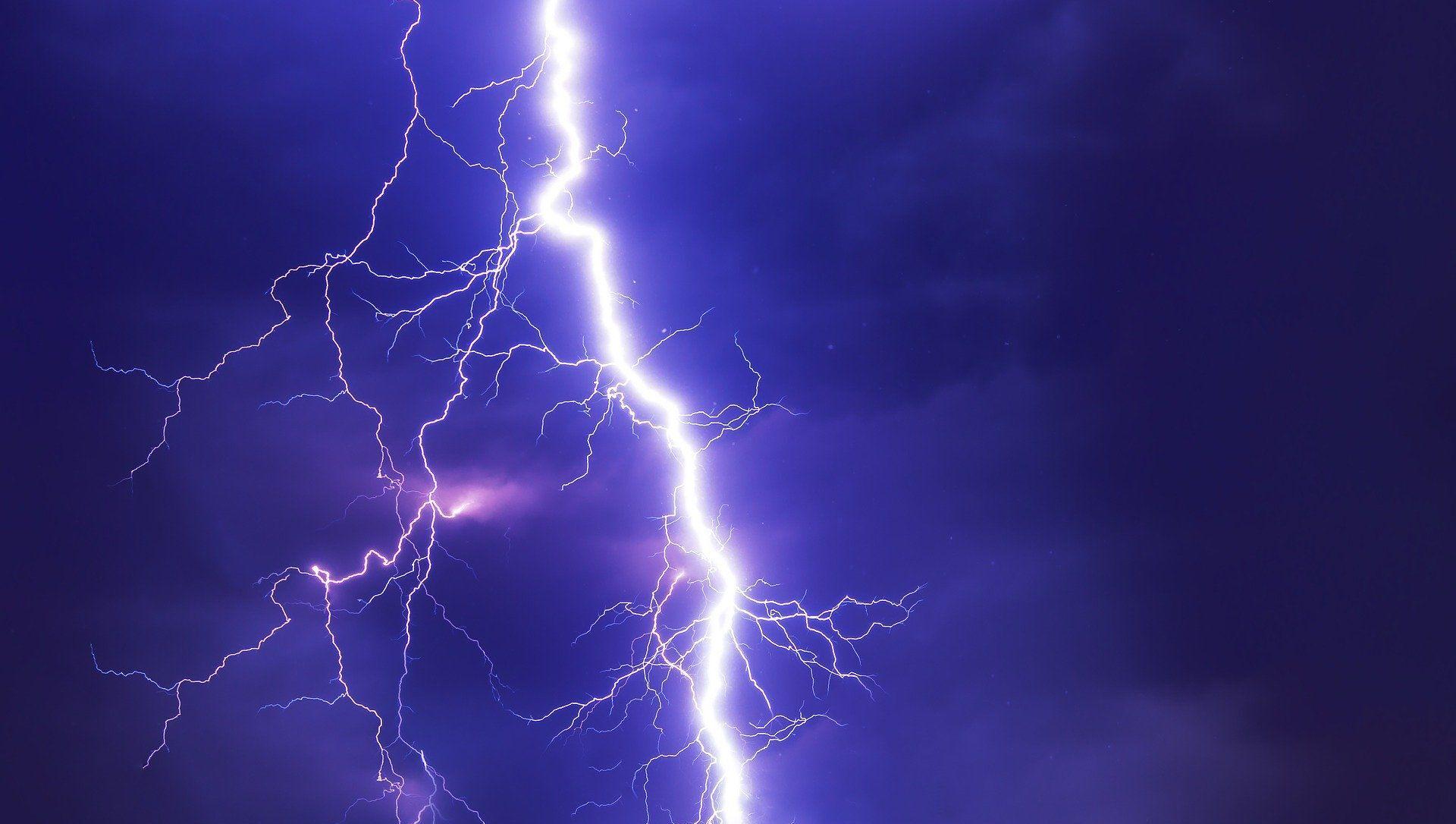 Lightning strike kills over 100 in India's Uttar Pradesh and Bihar  - Sputnik International, 1920, 08.06.2021