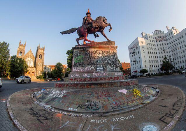 Statue of Confederate General J.E.B. Stuart