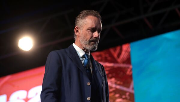 Jordan Peterson speaking with attendees at the 2018 Student Action Summit hosted by Turning Point USA at the Palm Beach County Convention Center in West Palm Beach, Florida - Sputnik International