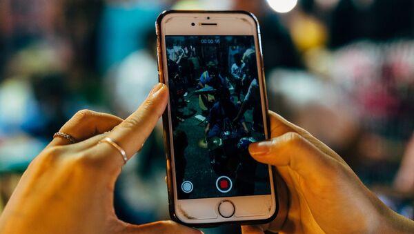 Indian Alternative to Chinese App TikTok, 'Chingari' Hits 5 Million Downloads - Sputnik International