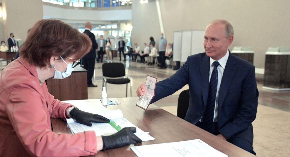 78% of Russian Voters Support Extending Putin's Rule
