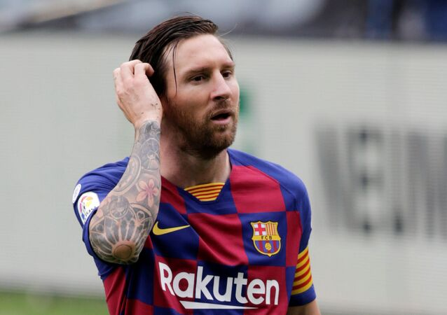 Barcelona's Lionel Messi reacts during the match, as play resumes behind closed doors following the outbreak of the coronavirus disease (COVID-19)