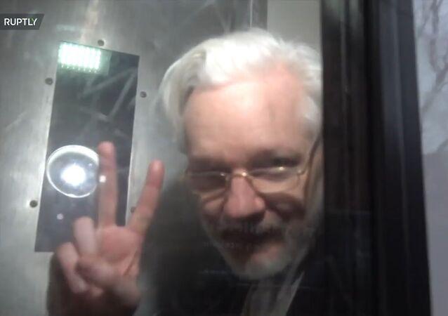 Julian Assange in Serco transport vehicle 13 Jan 2020 No 3