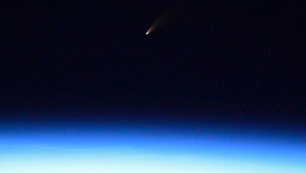 Photo of C/2020 F3 comet made by Russian cosmonaut Ivan Vagner from the International Space Station - Sputnik International