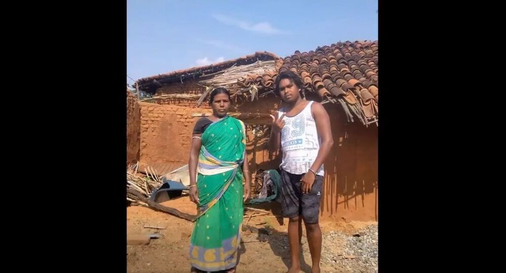 In Kalahandi district, Duleshwar Tandi – 'Rapper Dule Rocker' – a tuition teacher, construction worker and occasional migrant, expresses anguish through this song at the plight of migrants in the lockdown