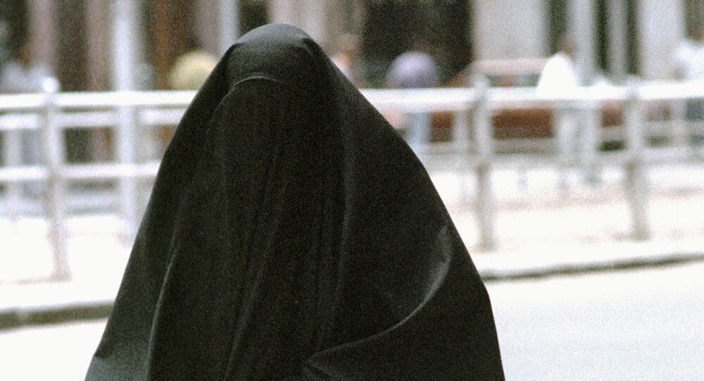 Germany mulls French-style burqa ban