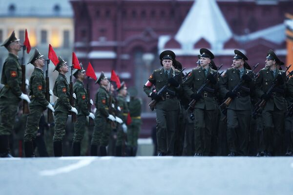 Russia's Victory Day events to involve 102,000 military personnel  - Sputnik International