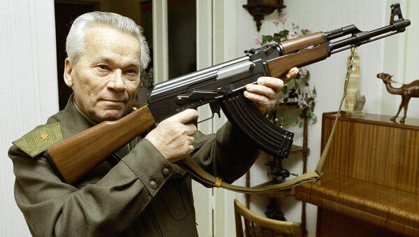 Russia to test new model of Kalashnikov assault rifle in 2011 - Sputnik International