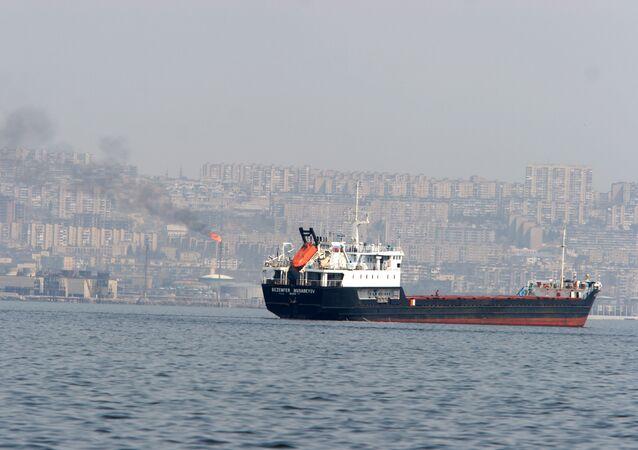 Iranian oil tanker in Bab-el-Mandeb Strait
