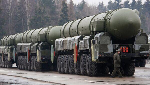 Topol-M intercontinental ballistic missiles - Sputnik International