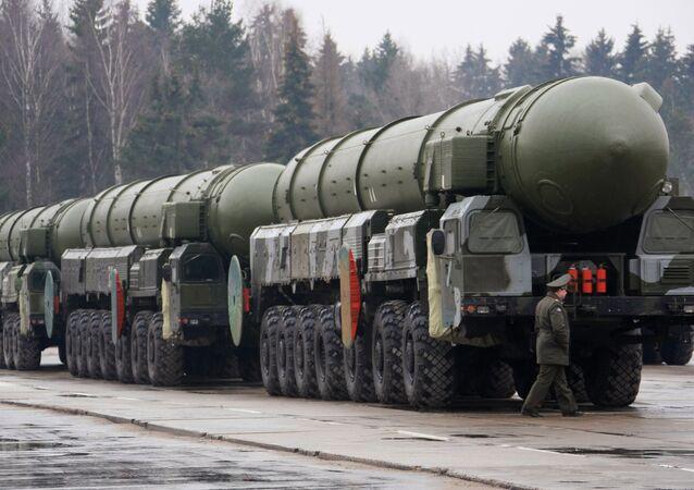 Topol missile