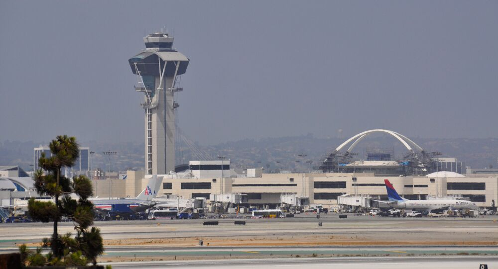 Law enforcement aircraft couldn't find jetpack flying near LAX