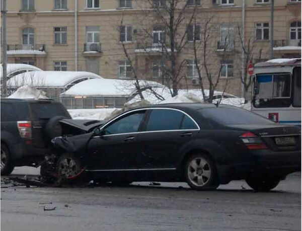 The accident occurred on February 25 on Moscow's Leninsky Prospekt when the chauffeur-driven Mercedes of LUKoil Vice-President Anatoly Barkov collided head-on with the small Citroen driven by Alexandrina. - Sputnik International