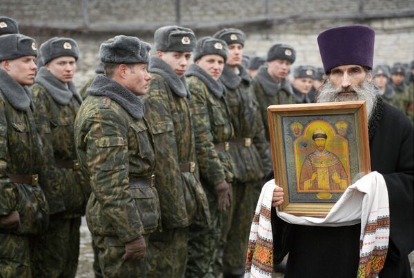 Russia's Orthodox Church priests to work in Russian army and navy - Sputnik International