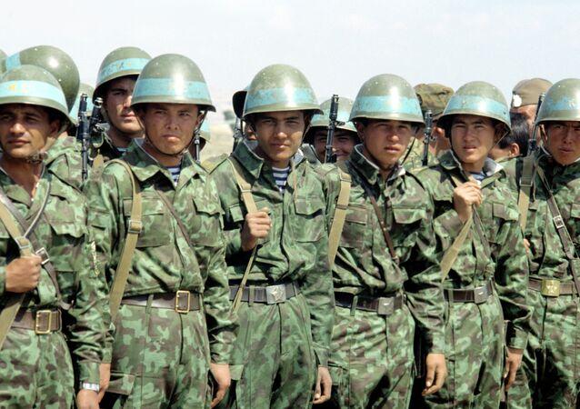 Tajik servicemen