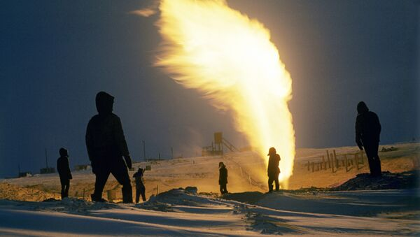 Russian Company Pays $6,000 for 8-Day Arctic Gas Well Fire - Sputnik International