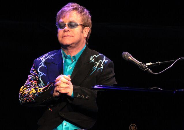 Dmitry and Svetlana Medvedev at Elton John concert