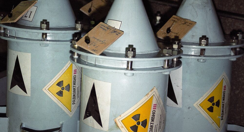 Containers with nuclear fuel
