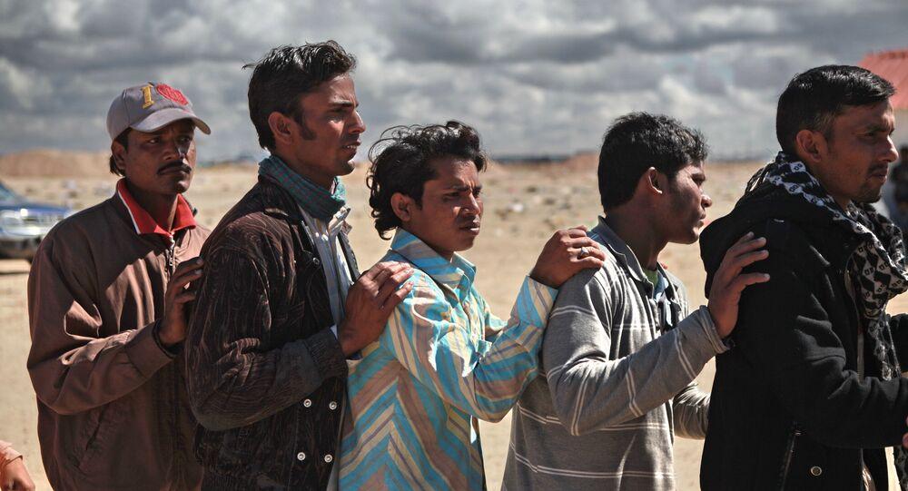 Refugees flee Libya through Benghazi port