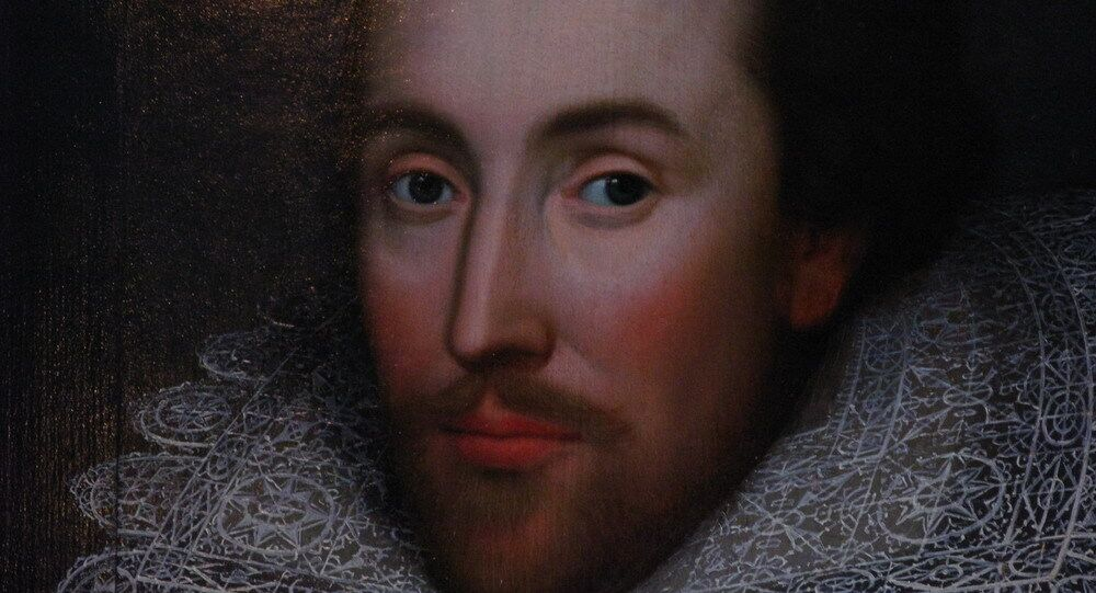 Chinese writer to undergo plastic surgery to become Shakespeare