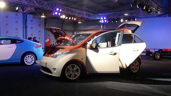Russian Yo-mobile hybrid car  - Sputnik International