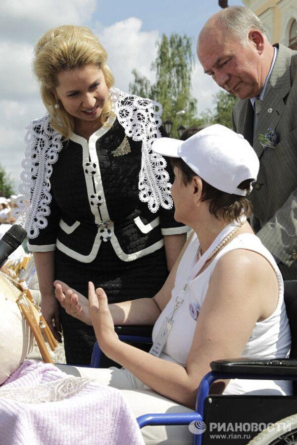 Russia's First Lady Svetlana Medvedev attends record-breaking lacemaking workshop in Vologda - Sputnik International