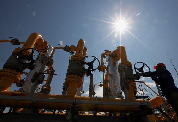 Gazprom May Reach China Gas Supply Deal by June - Sputnik International