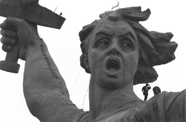 Motherland Calls statue in Volgograd - Sputnik International