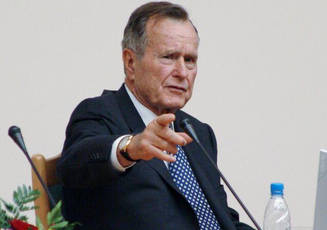 Экс-президент США Дж.Буш (старший)