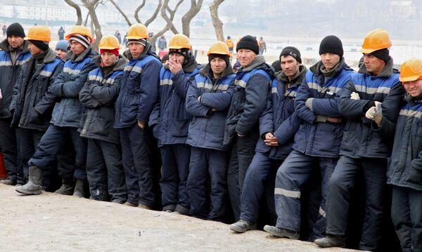 Tajik Migrants in Russia Send $3.8 Bln Home - Sputnik International
