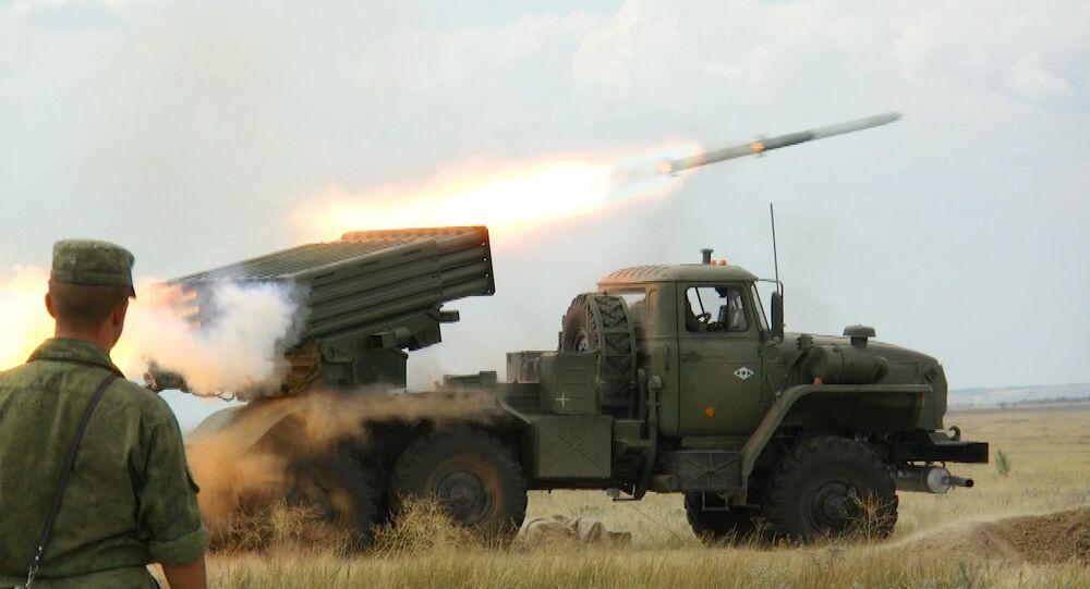 Firing the new Tornado-G salvo rocket system: Footage from the firing range