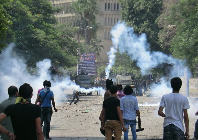 Human Rights Watch has called on Egyptian authorities to release the more than 110 university students that were taken into custody before the current academic year began, a statement published on the organization's website Tuesday said.