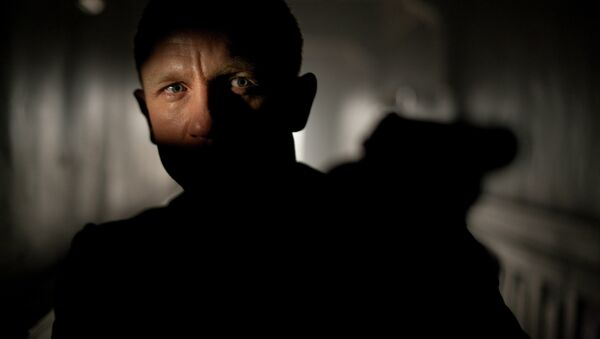 Daniel Craig in action during the shoot of Bond film 007 Skyfall' - Sputnik International