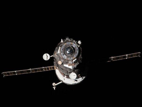Progress M-21M space freighter - Sputnik International