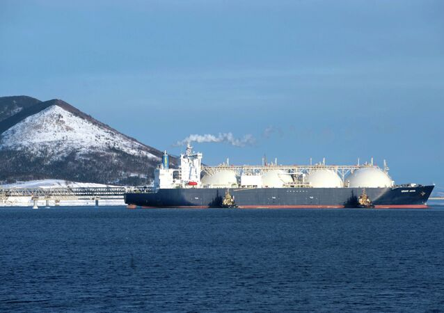 LNG Tanker Makes Arctic Route Debut