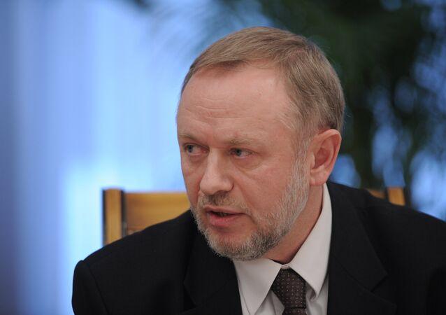 Первый заместитель главы ФСВТС Александр Фомин