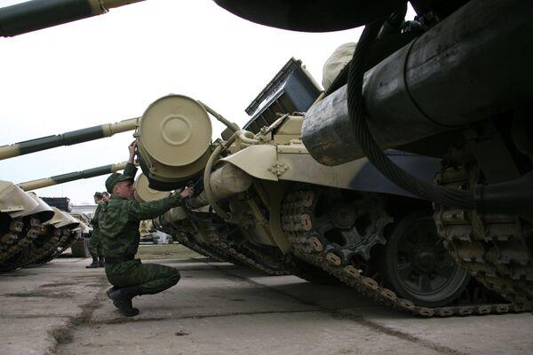 Russian T-72 tanks - Sputnik International