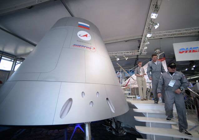 Full-scale model of a new-generation manned spacecraft showcased at the MAKS-2013 air show
