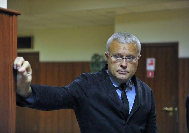 Перенос рассмотрения жалобы на приговор банкиру А.Лебедеву