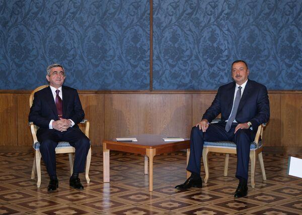 Meeting of Azeri President Aliyev and Armenian President Sargsyan in Russia - Sputnik International