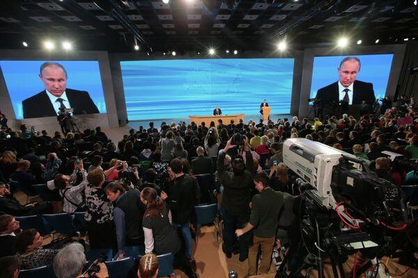 Vladimir Putin's press conference - Sputnik International