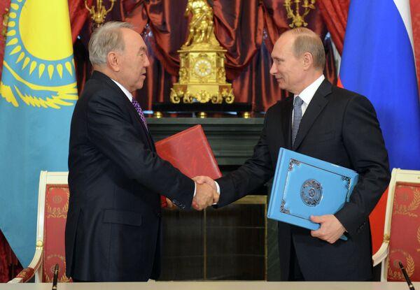 Nursultan Nazarbayev and Vladimir Putin - Sputnik International
