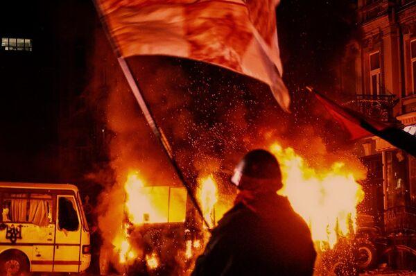 US Threatens Sanctions as Tensions Rise in Kiev - Sputnik International